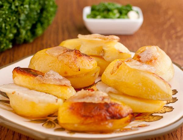 Картошка с салом в фольге в духовке