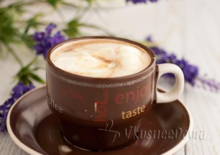 сливки выкладываем на черный кофе