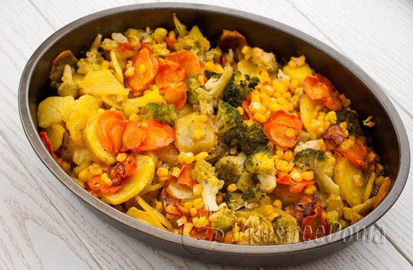 Блюдо из крылышек куриных и картошки в духовке