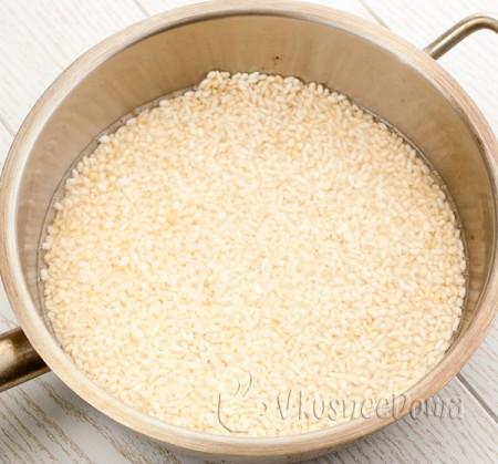 обжариваем рис