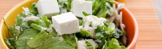 Зеленый салат с топинамбуром