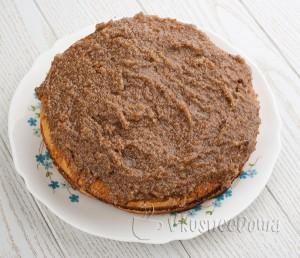 ванильно-ореховой смесью смазываем коржи