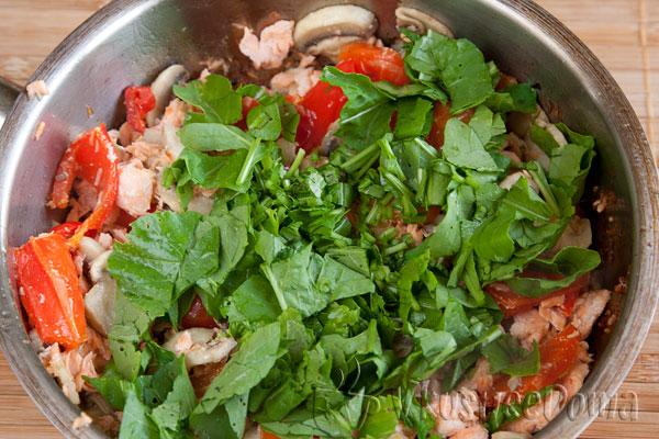 добавляем красоты и вкуса в салат руколлой