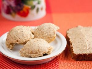 бутерброд с грибным маслом