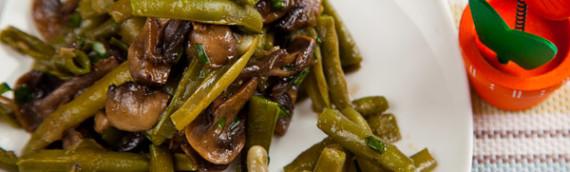 Салат с грибами и фасолью спаржевой под соевым соусом