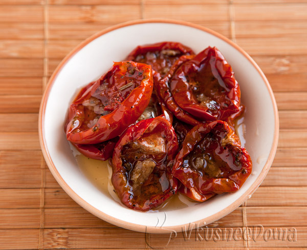 берем вяленые помидоры