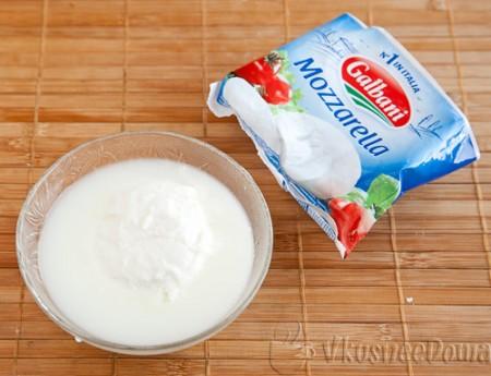 Моцарелла - мягкий итальянский белый сыр