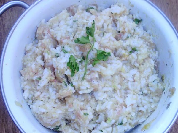 фарш соединяем с рисом