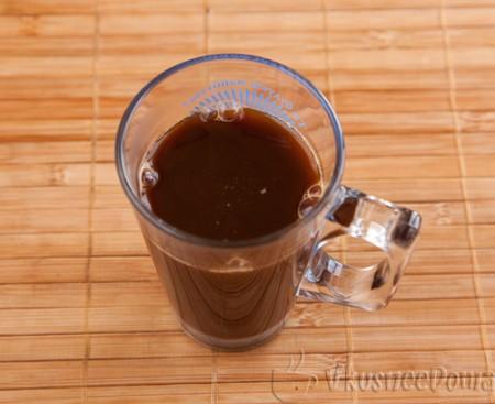 кофе даем остыть и переливаем в бокал