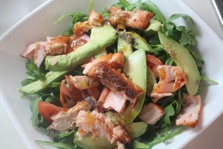Авокадо рецепты: Салат с авокадо и семгой