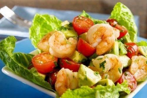 Авокадо рецепты: Салат с авокадо и креветками