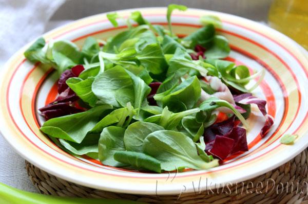 подготавливаем листья салата маш
