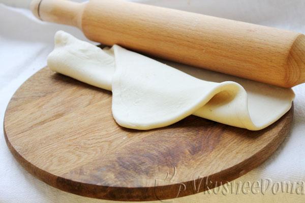 тесто раскатываем в толщину 1 см