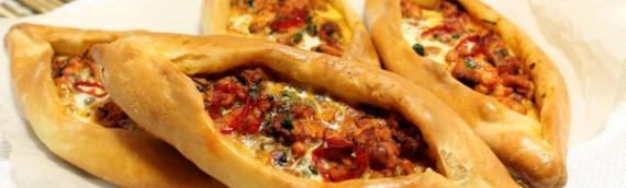 Пицца турецкая — Pide с мясом и с сыром