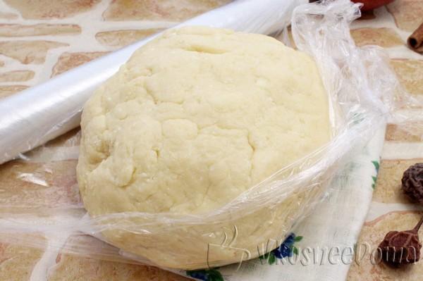 замешиваем мягкое творожное тесто