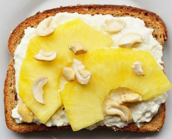 сливочный сыр + ломтики ананаса + кешью