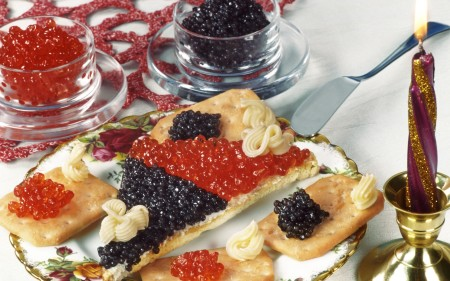Food___Seafood_Sandwich_with_black_and_red_caviar_caviar_043877_