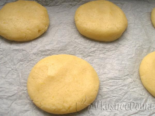 формируем сахарное печенье