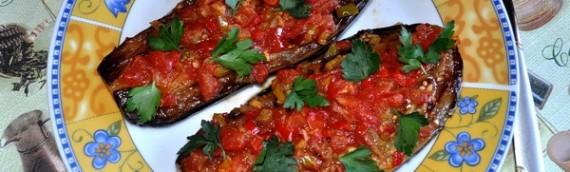 Баклажаны фаршированные овощами — «Имам в обмороке»