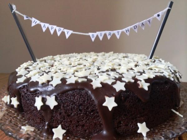 gluten-free-chocolate-cake-happy-birthday-homemade-bunting-banner-recipe-and-method