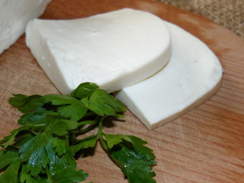 Брынза с коровьего молока в домашних условиях с уксусом