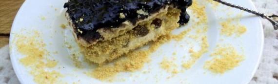 Нежный торт без выпечки из печенья и творога