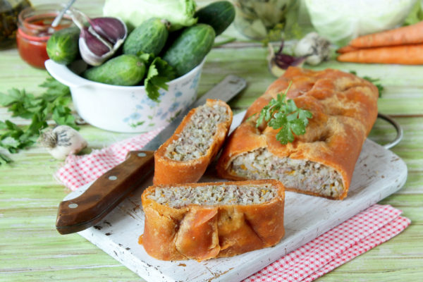 Оранжевый мясной пирог с фаршем рецепт с фото