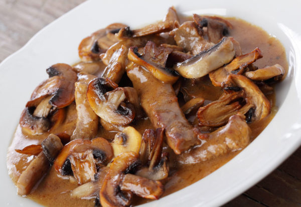 Бефстроганов из свинины с грибами