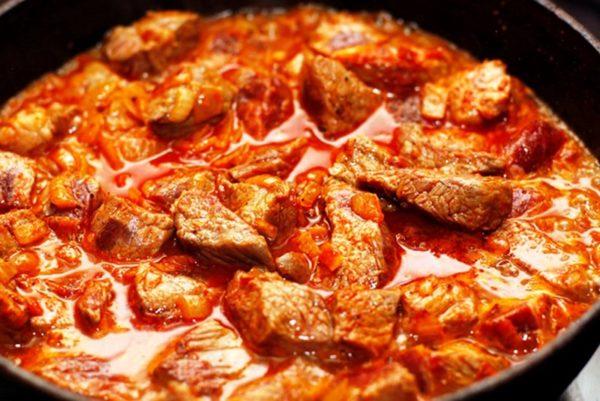Приготовление азу из свинины