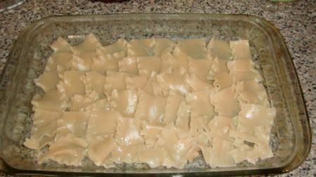 Приготовление запеканки-бешбармака