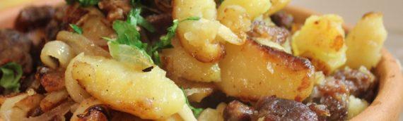 Самые вкусные рецепты жареной картошки с мясом: на сковородке или мультиварке