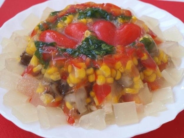 Заливное с грибами и овощами