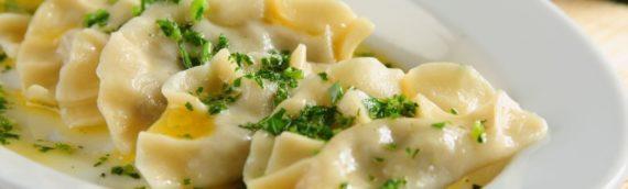 Необычный и вкусный рецепт вареников с сырой картошкой