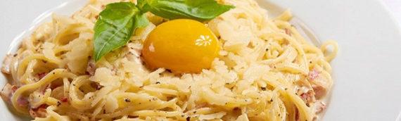 Путешествие в Италию — паста карбонара в сливочном соусе