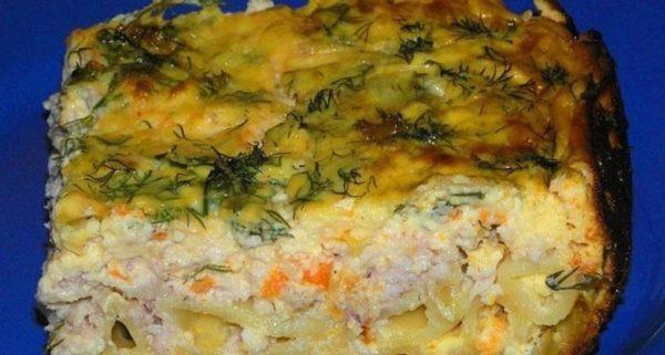 Филе минтая, тушеное с овощами в сметане