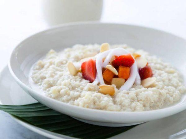 Каша молочная рисовая с сухофруктами
