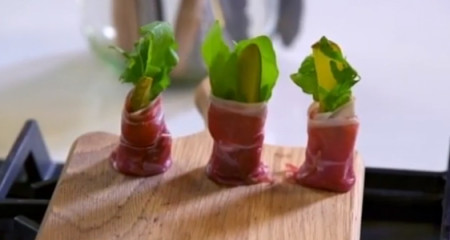 Parma-ham-goats'-cheese-and-rocket-canapés