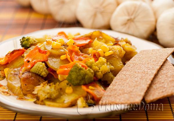 Как вкусно приготовить картошку в духовке с овощами