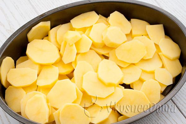 выкладывам слой картошки