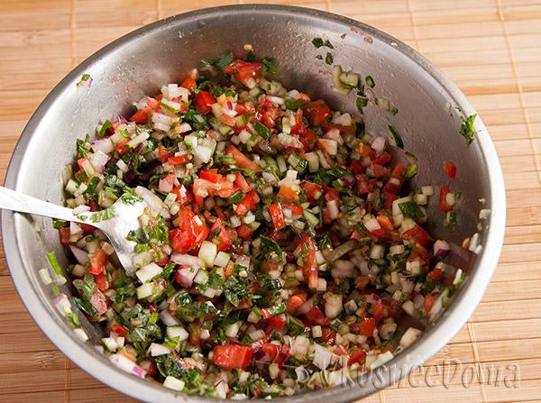 вот он мелко нарезанный салат