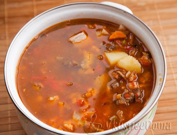 в суп кладем тушеные овощи