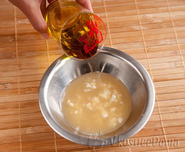 выливаем растительное масло