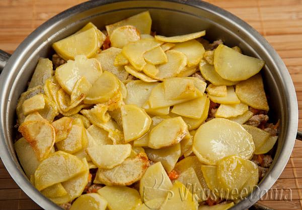 закрываем запеканку слоем картошки