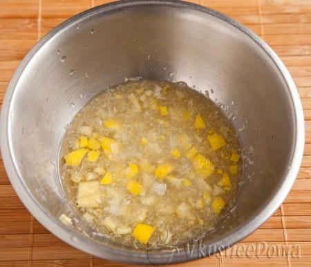 добавляем лимон к тыквенному соку
