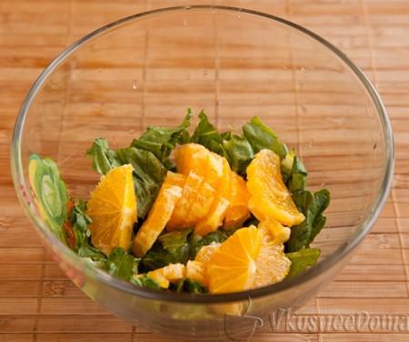 очищенные апельсины нарезаем