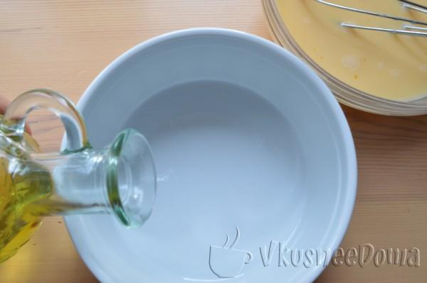 форму смазываем маслом