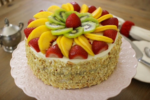 Fluffy-Honey-Layer-Cake-With-Fruit-And-Almonds-2-500x334