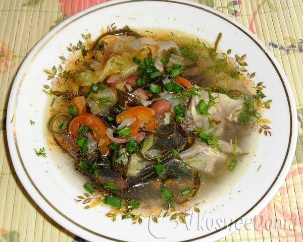 Овощной суп из морской капусты - пикантный