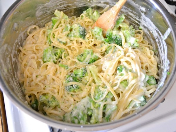 tossing-pasta-and-broccoli