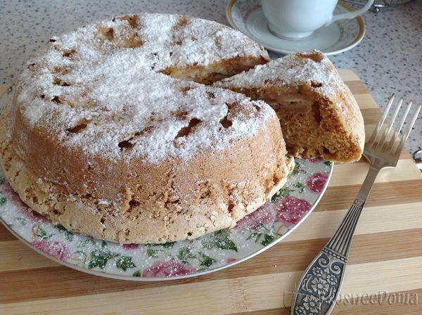 Наливной пирог с яблоками